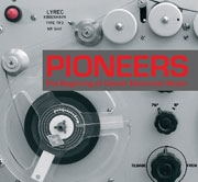 Diverse: Pioneers - The Beginning Of Danish Electronic Music (CD/Bog)